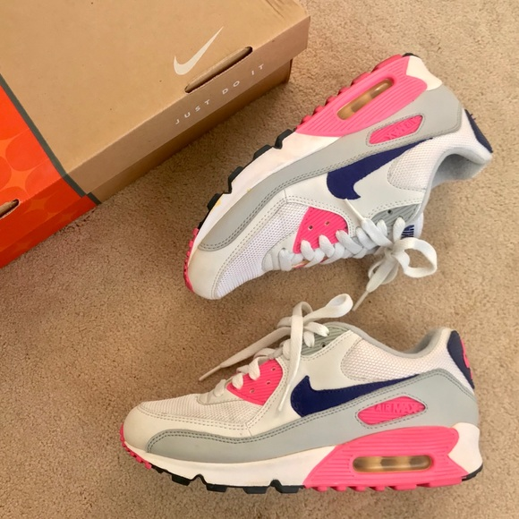 buy popular cc458 6e302 NIKE WOMENS AIR MAX 90 CLASSIC CONCORD PINK GREY